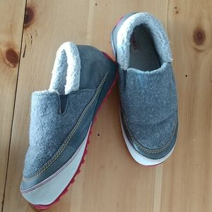 Sorel leather/wool slip on shoes